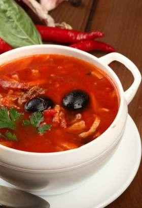 как приготовить солянку суп с колбасой как в столовой